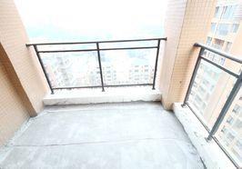 房东急售 小张推介 胜利街学区清水大三室 想怎么装就怎么装修